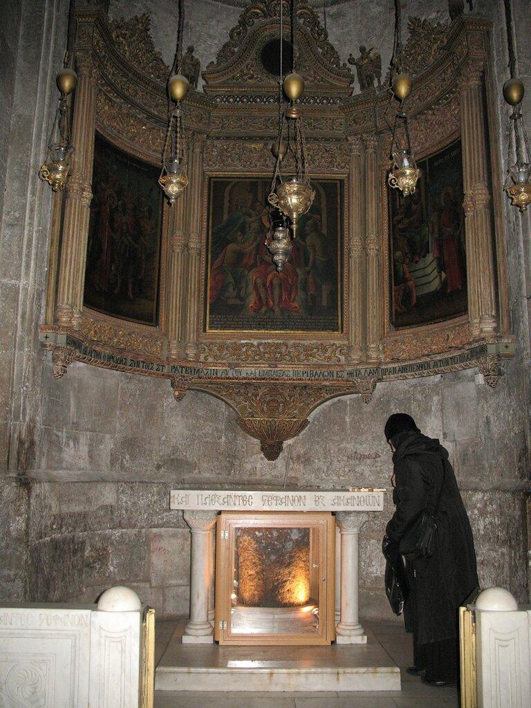 Иерусалим, Храм Гроба Господня. У столба бичевания