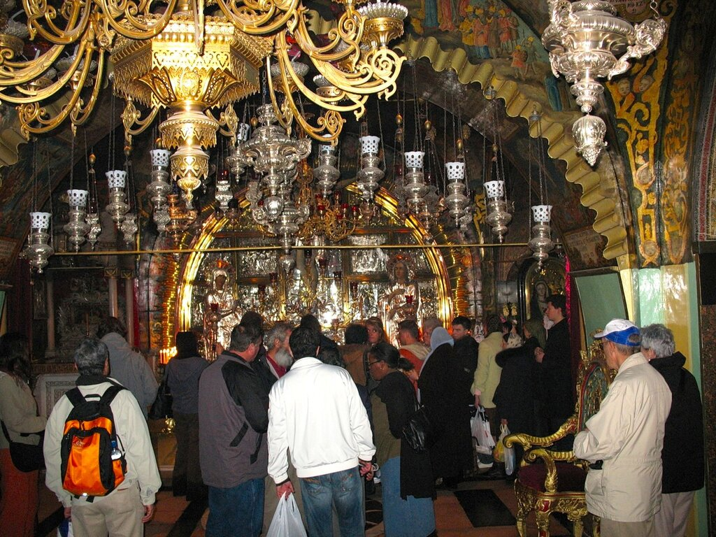 Иерусалим, Храм Гроба Господня. Паломники на Голгофе