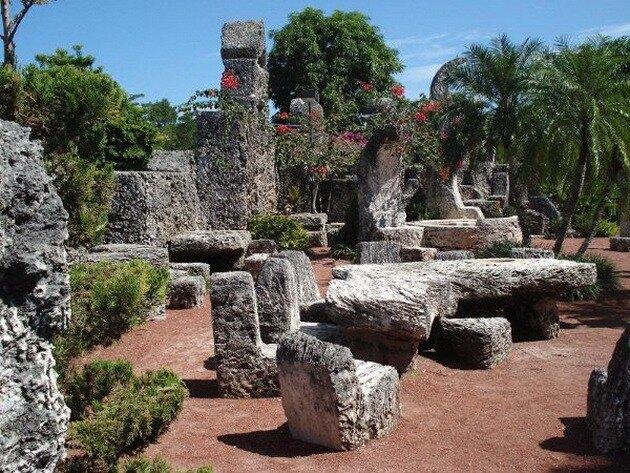 Коралловый замок Лидскалнина. США