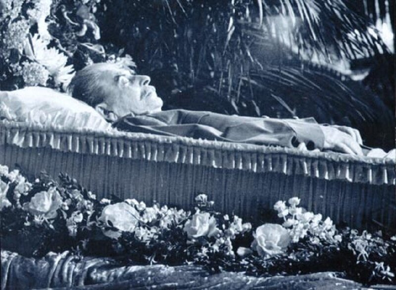 Stalin laying on the catafalque in the House of Columns, Moscow. March 6-8, 1953