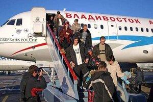 """Самолет """"Владивосток-Авиа"""" совершил экстренную посадку в Иркутске"""