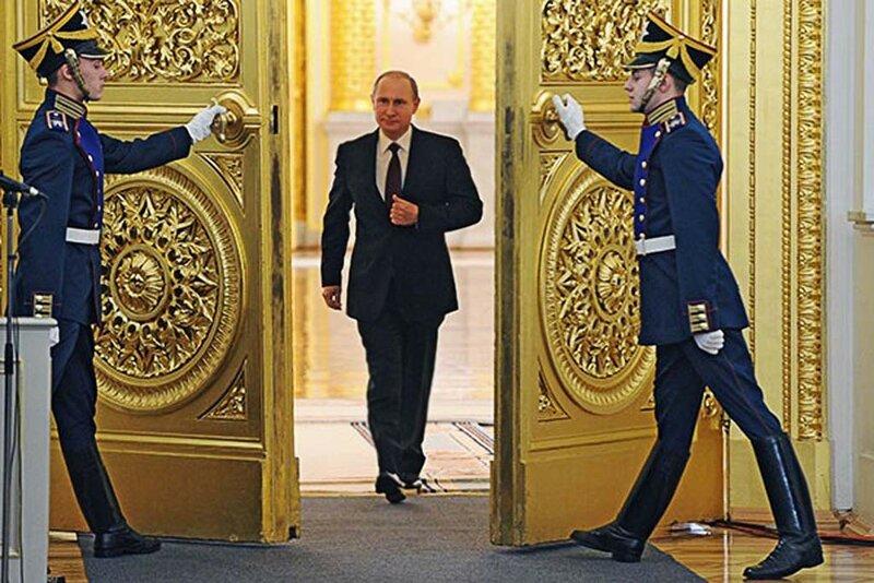 Владимир Путин перед началом обращения с ежегодным посланием к Федеральному собранию, 2013 год(2)