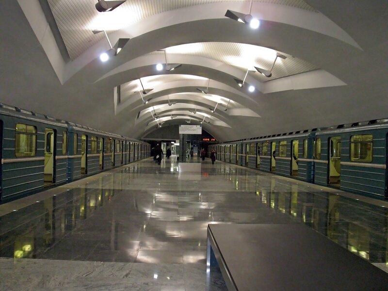 Станция м. Шипиловская.