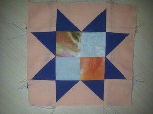 """Лоскутное шитьё № 17: блок """"Звёздный квадрат"""", необычная игольница"""