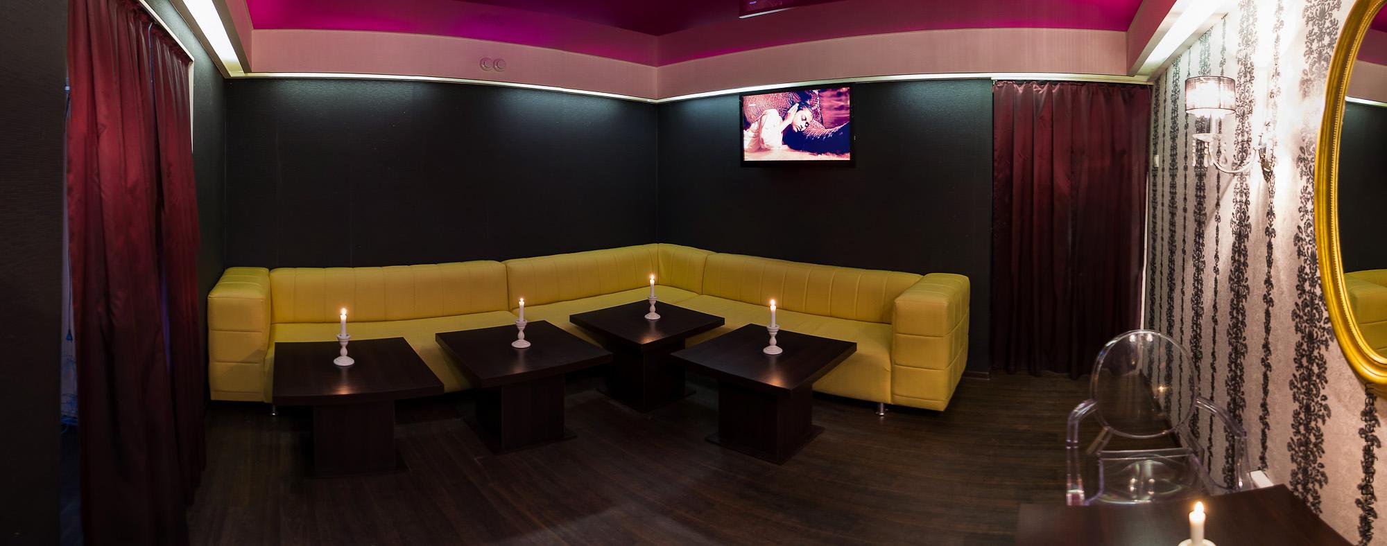 Банкетный зал в итальянском кафе