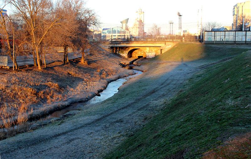 Студенец и Державинский мост. Фото 12 апреля 2014 года