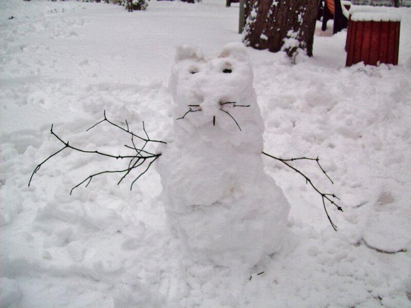 Необычный снеговик