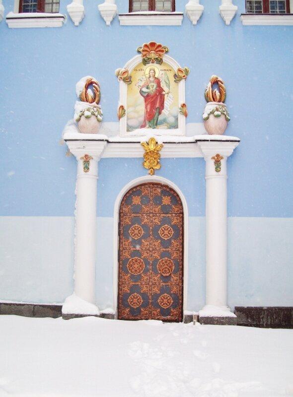 Дверь Михайловского собора