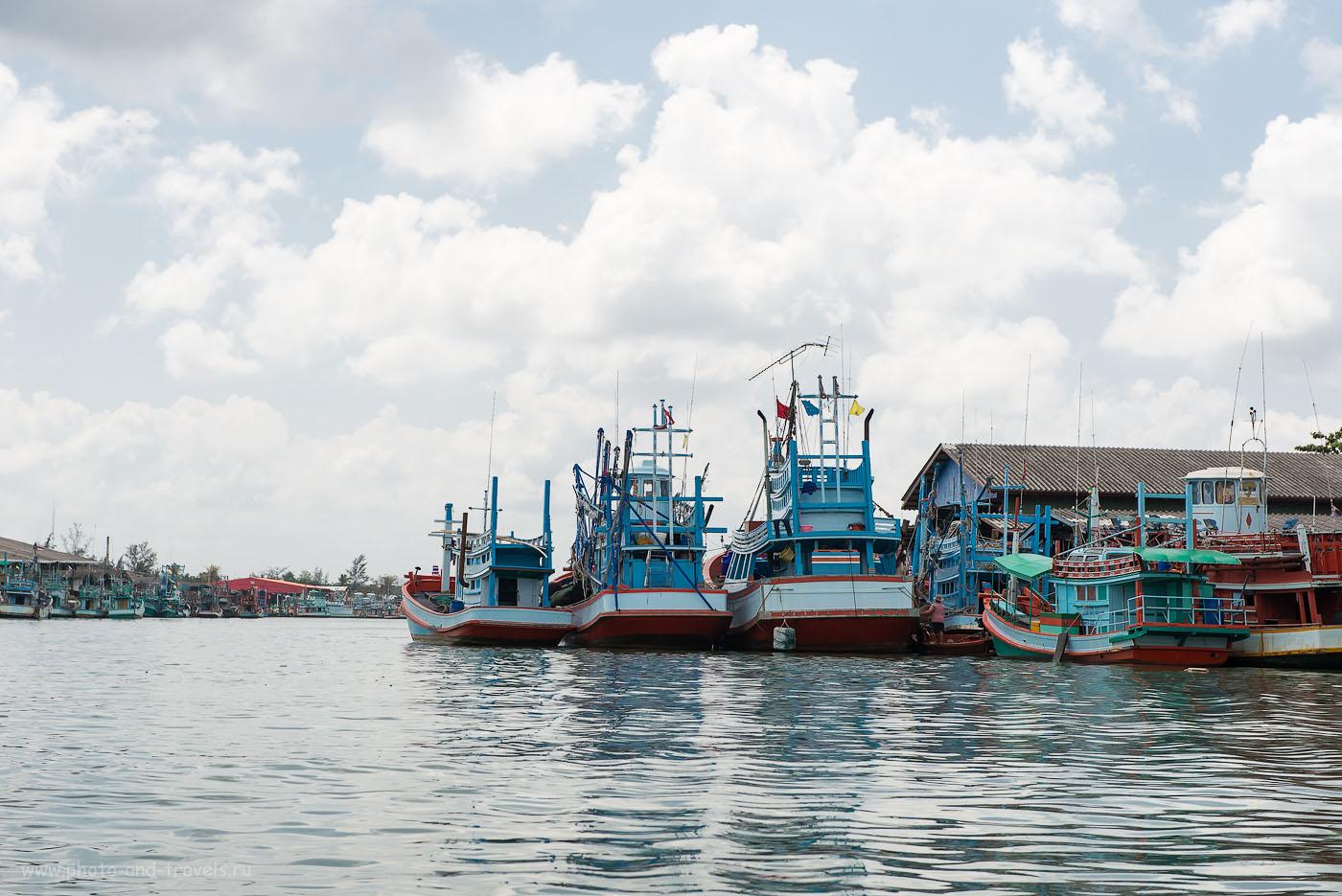 Фото 23.  Рыбацкая деревня в Таиланде. Корабли на причале ждут своего часа (320, 70, 8.0, 1/500)
