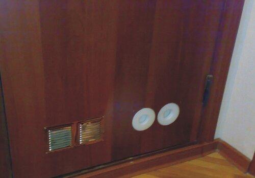 установка вентиляции в входную дверь