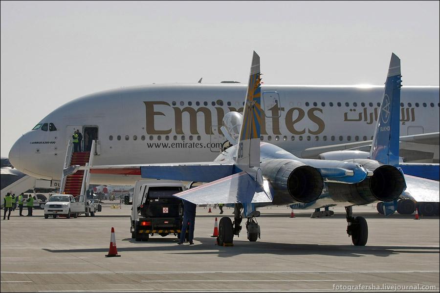 Русские Витязи на авиасалоне в Бахрейне. Пилотаж