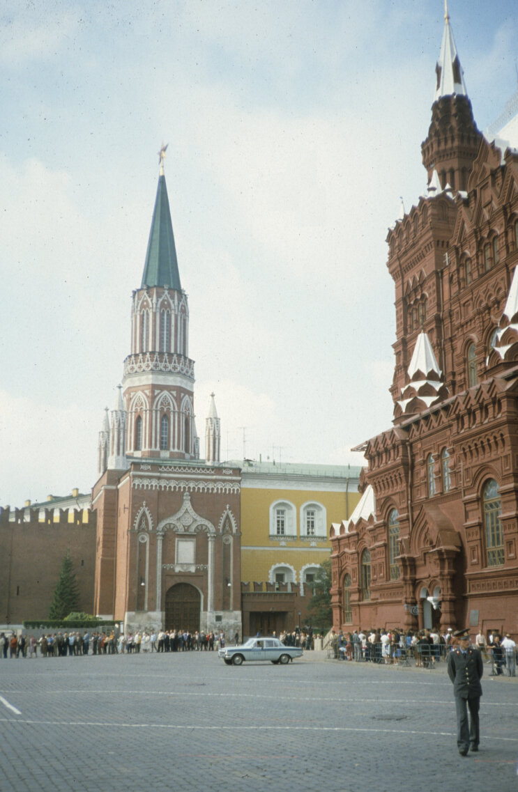 Никольская башня и музей Ленина