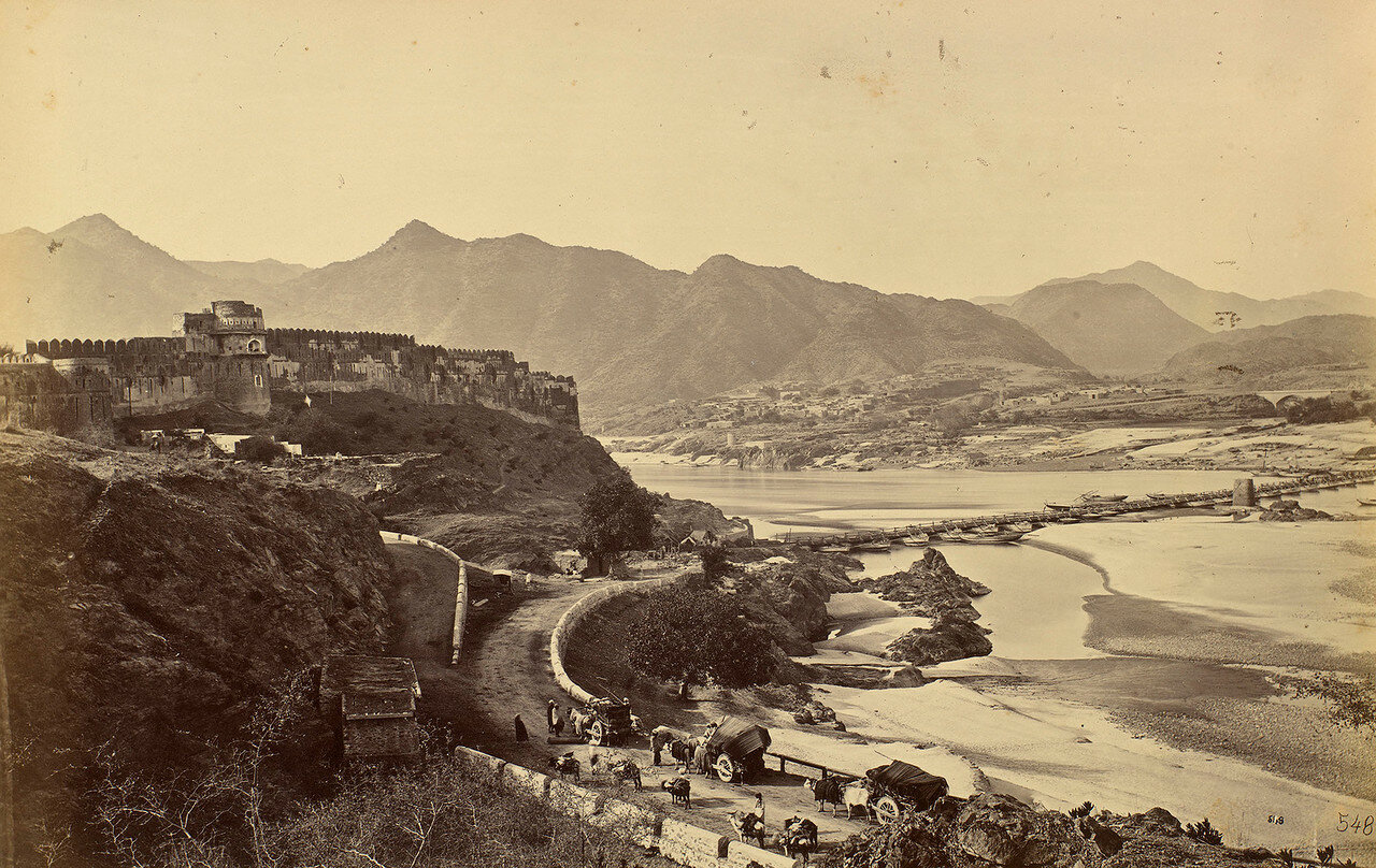 Вид города Атток в сторону Пешавара