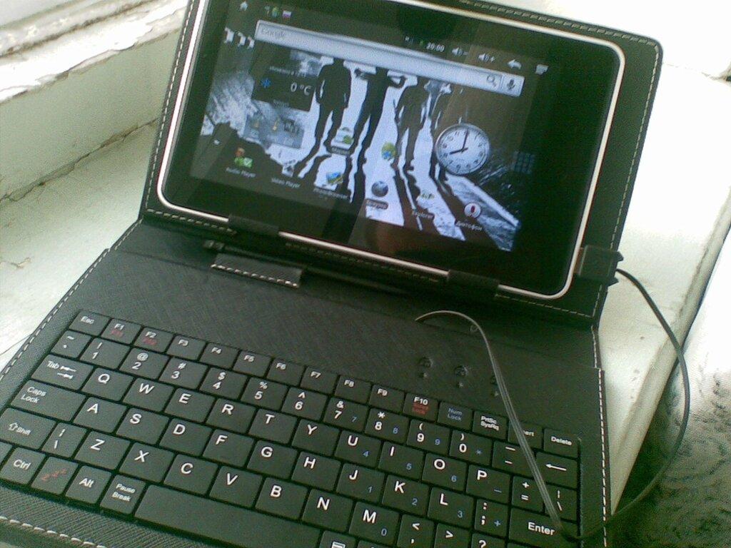 Обложка с клавиатурой для семидюймового планшета