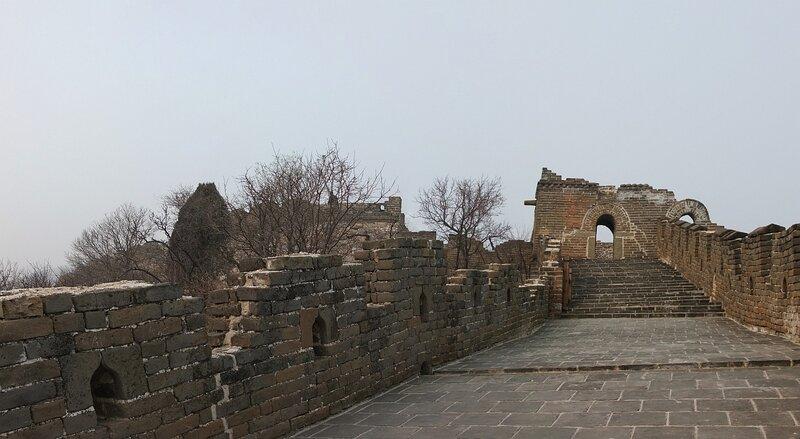 Не туристическая китайская стена Ещё!