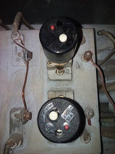 Срочный вызов электрика аварийной службы из-за отключения электроснабжения квартиры после срабатывания вводного ПАР