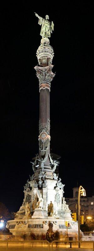 Ночная Барселона. Площадь Портал-де-ла-Пау. Памятник Колумбу