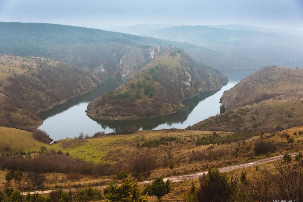 71. Обычная для Сербии история— отсутствие дорог и навигации в туристических местах