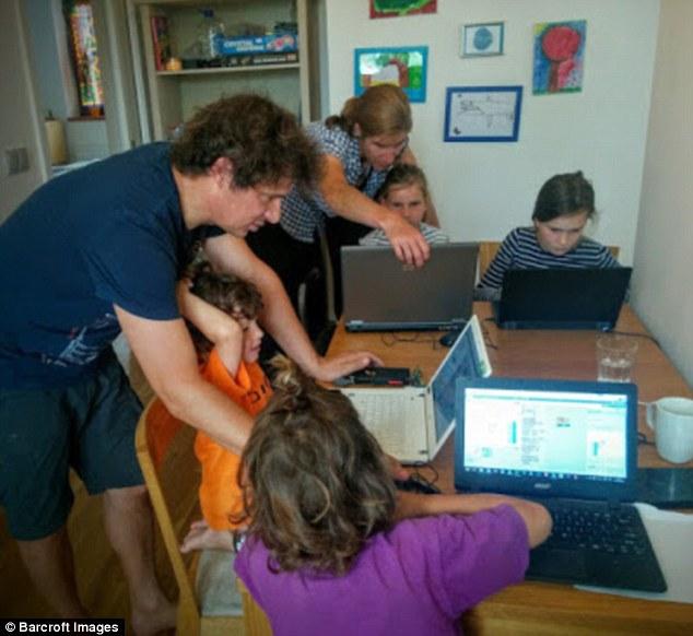 По словам отца, мальчики знают о компьютерах и программировании уже гораздо больше, чем он.