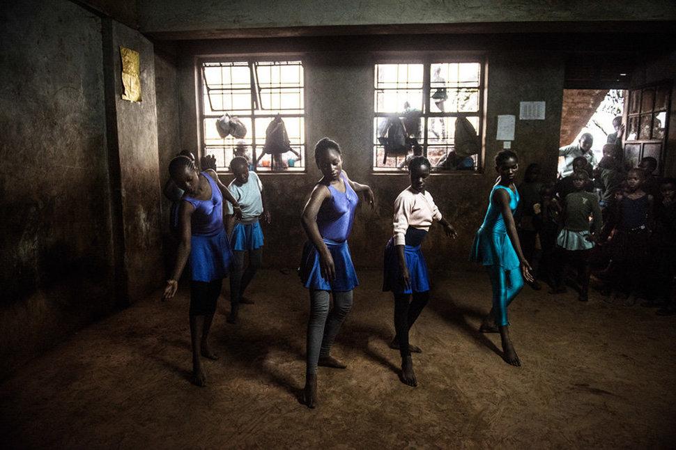 «Балет в трущобах» – фотопроект Фредрика Лернерида (24 фото)