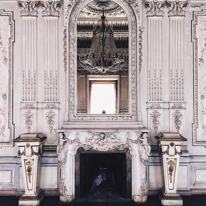 7. The Brusnitsyn Mansion, Васильевский остров.