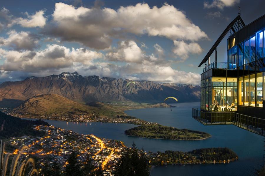 9. Skyline Restaurant, Куинстаун, Новая Зеландия Город Куинстаун считается центром приключенческого