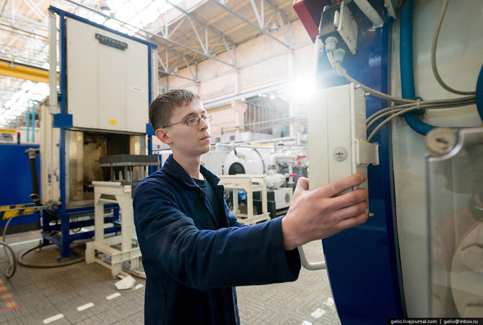 16. Литейное производство . Производство в литейном цехе начинается с изготовления моделей. Из