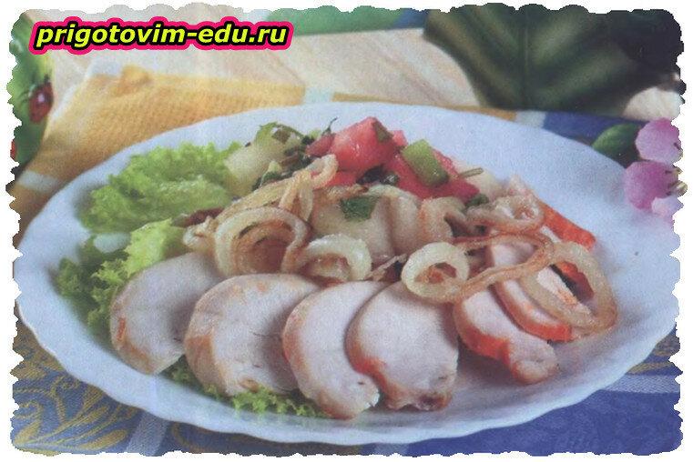 Куриные грудки с фруктовым салатом