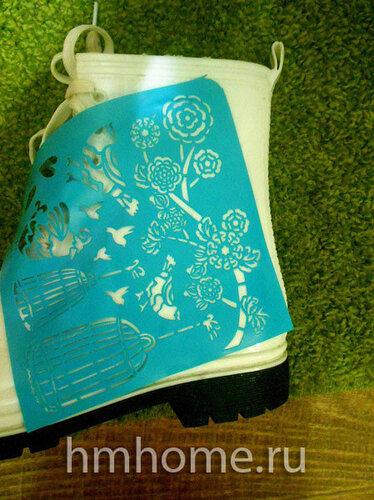 Как украсить белые резиновые сапоги