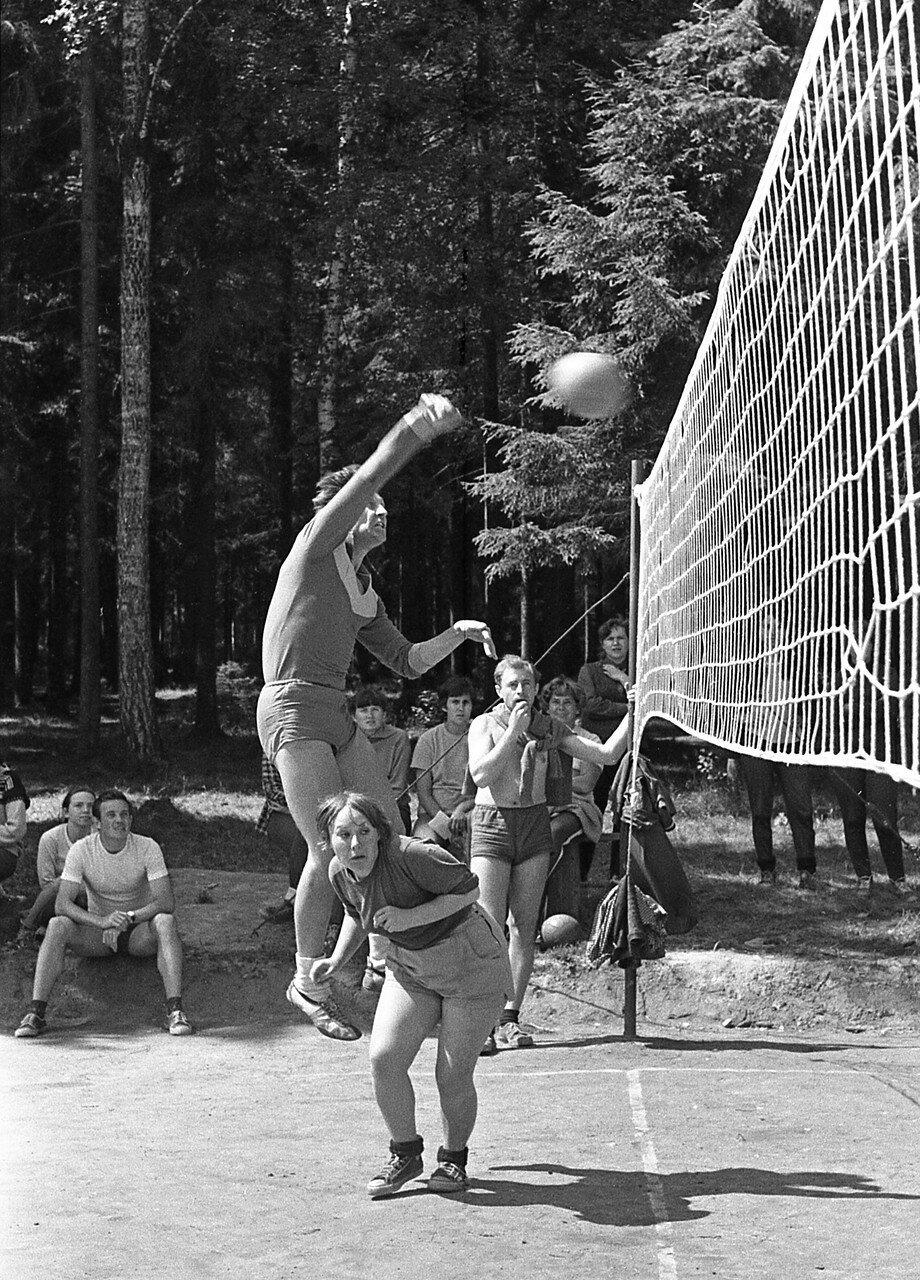 102. Волейбол