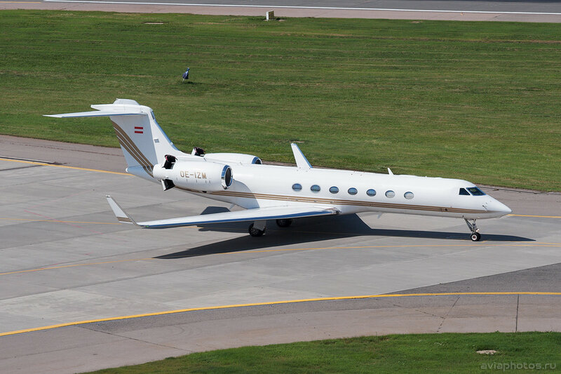 Gulfstream G550 (OE-IZM) Avcon Jet D703418
