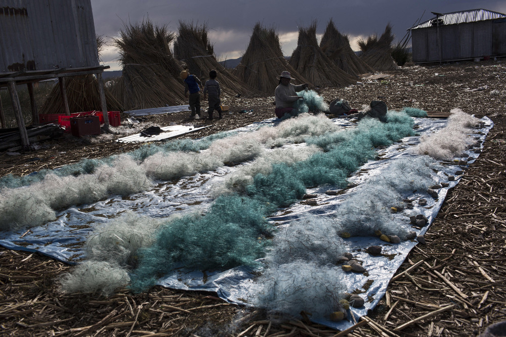 Озеро Титикака превращается в каку