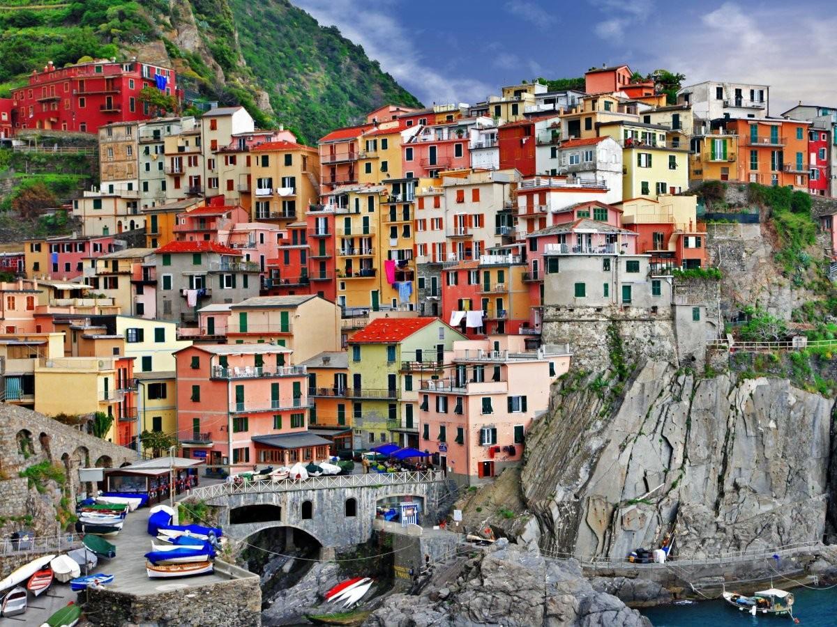 53. Посетите все пять деревень Чинкве-Терре, Италия.