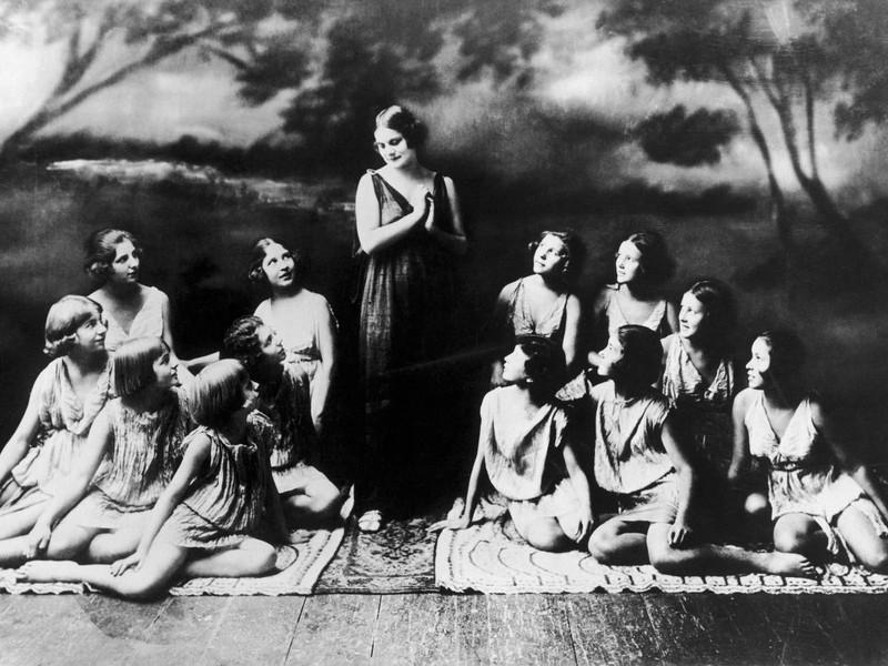 7. Айседора Дункан была всемирно известной танцовщицей, вела богемную жизнь и отличалась свободными