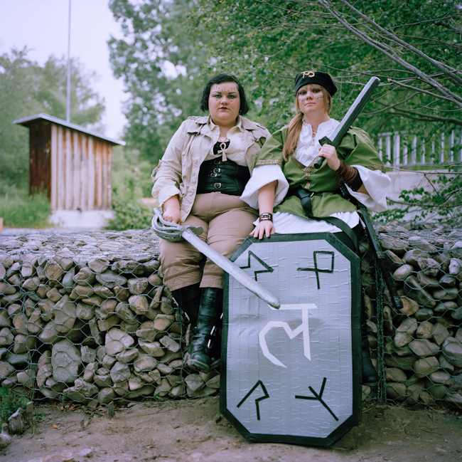 4. Рейчел, 22 года, Солт-Лейк-Сити, штат Юта (слева) Имя персонажа: Леандра-Джульет де Валентинос Би