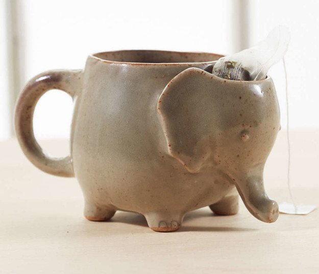 Кружка в виде слона с отделением для чайных пакетиков.