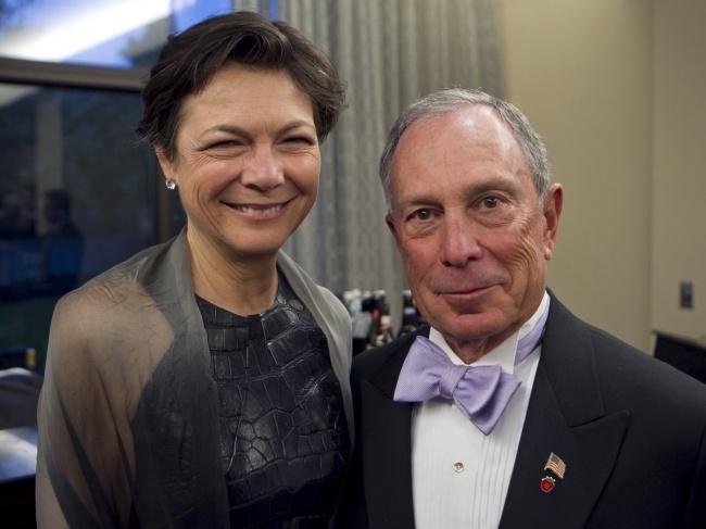 Майкл Блумберг и Дайана Тейлор Майкл Блумберг — политик, предприниматель и бывший мэр Нью-Йорка. Его