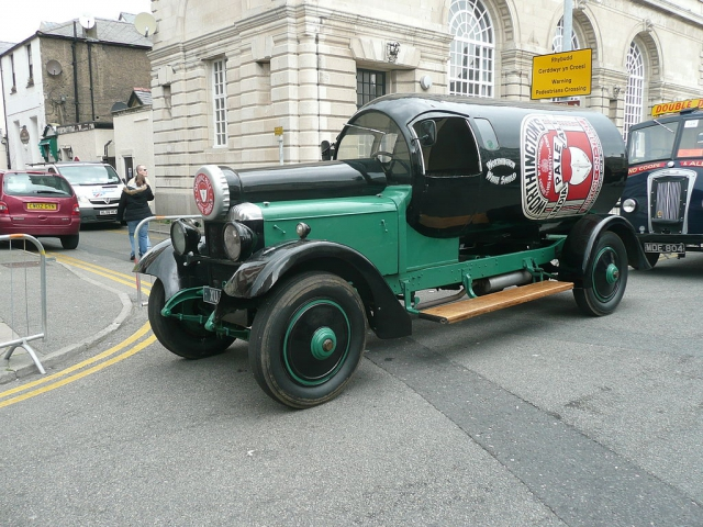 Автомобиль XU177 В 1927году компания Worthington слилась сдругим крупным пив