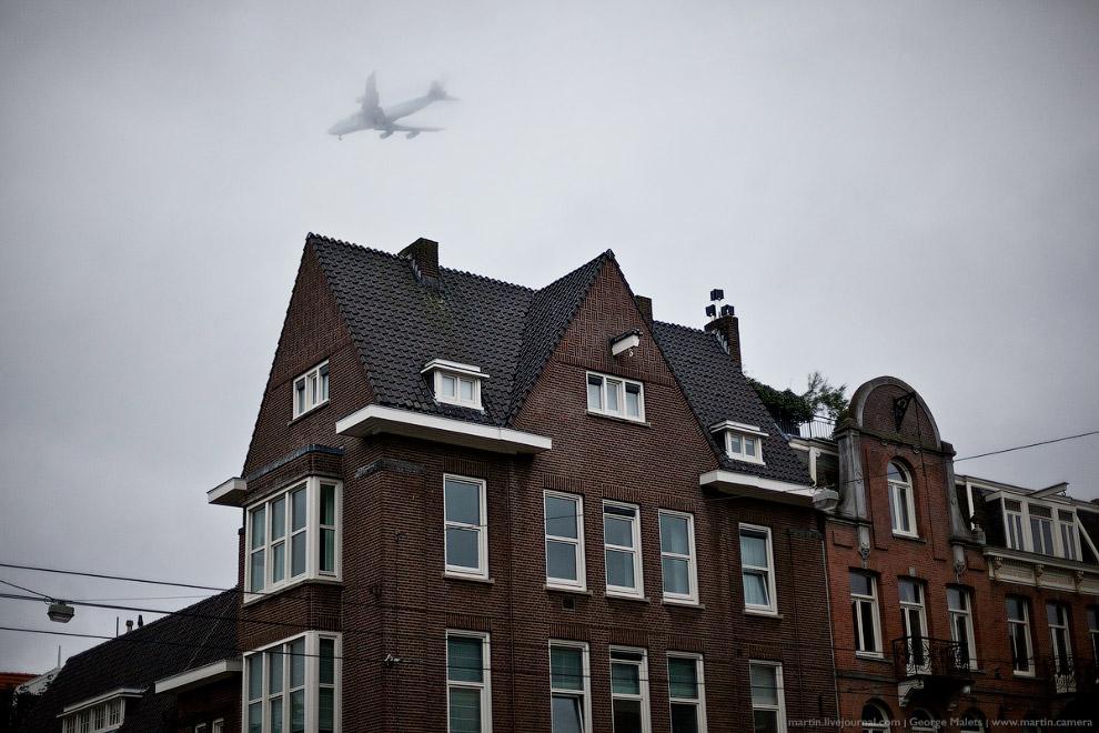 Внедорожникам в Амстердаме не место!