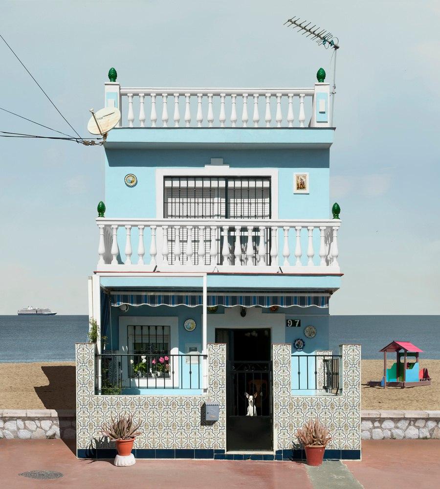 Фотограф Katharina Fitz с проектом «Paracosmic Houses»