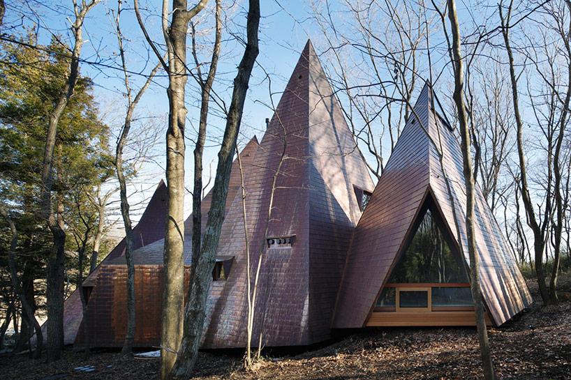 1. Этот уникальный дом расположен в лесу в префектуре Тогити. Архитекторы при разработке проекта ост