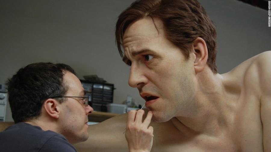 13. Британскому скульптору Джеми Сэлмону удается создавать шокирующе реалистичные 3D-портреты.