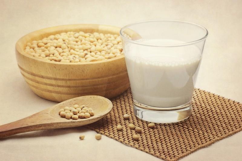 9. Питание соей Производство этого продукта является довольно разрушительным для окружающей среды. Д