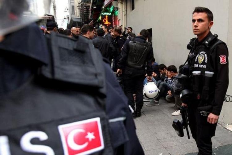 Операция позадержанию приверженцев Гюлена проводится вСтамбуле