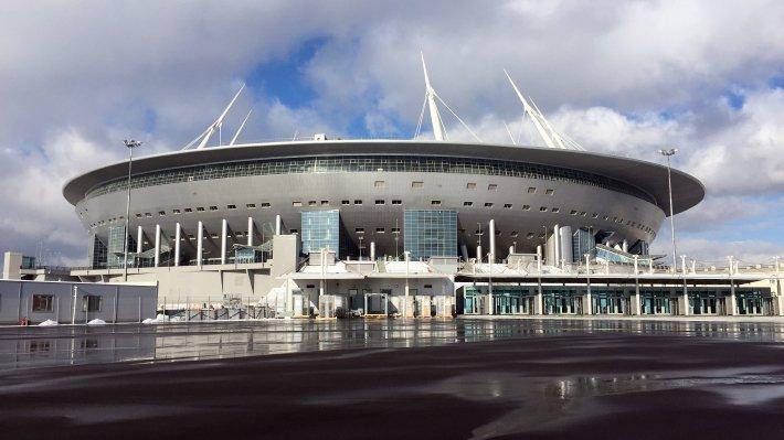 Настадионе «Санкт-Петербург» раскатали гатчинский газон