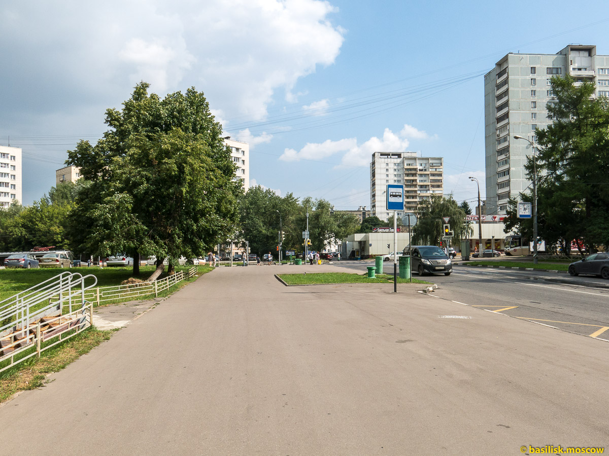 Дом аспиранта и стажёра ДАС МГУ на улице Шверника. Июль 2016