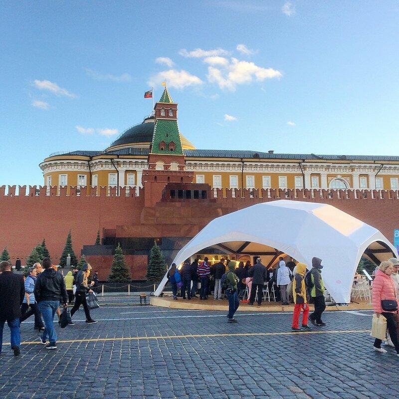 Книжная Ярмарка на Красной площади после которой я заболел