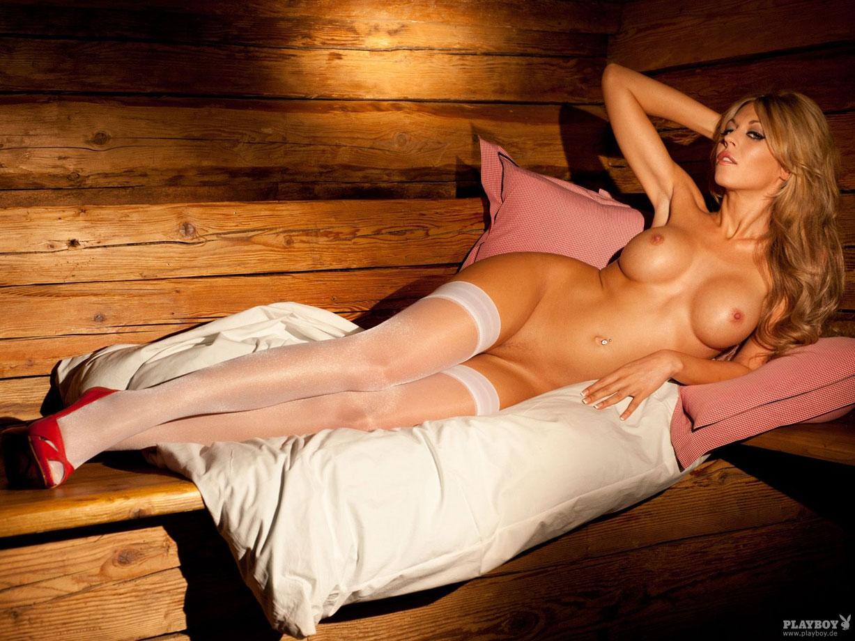 девушка Октоберфеста Julia Schober - Playboy Germany october 2010 playmate