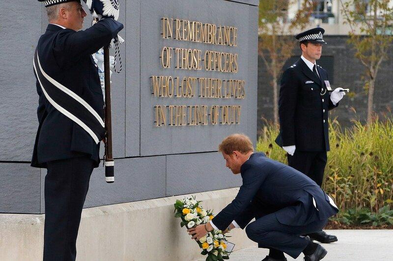 Принц Гарри отдал дань памяти погибшим на службе офицерам лондонской полиции