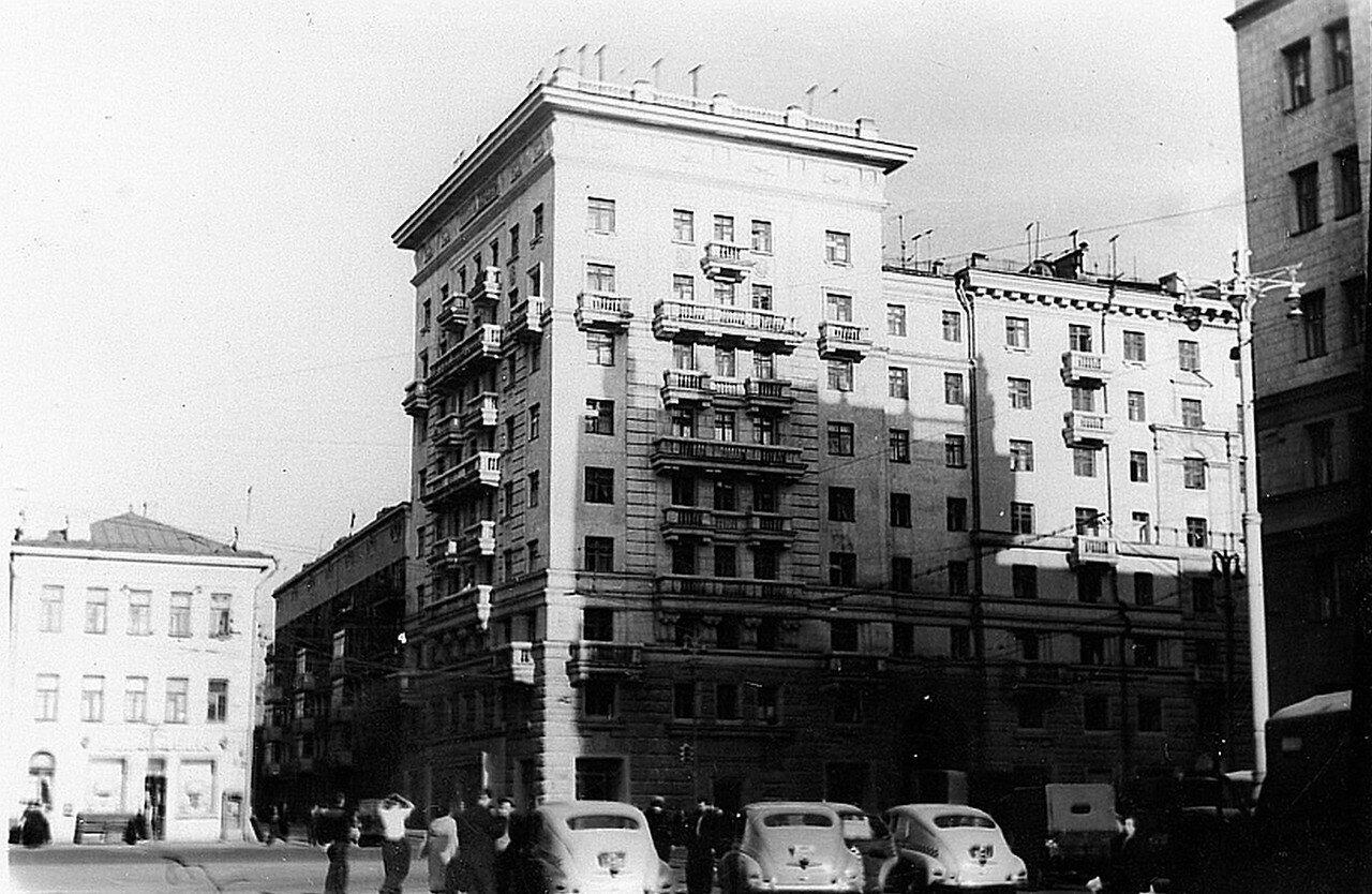 1956. 1-я Мещанская улица